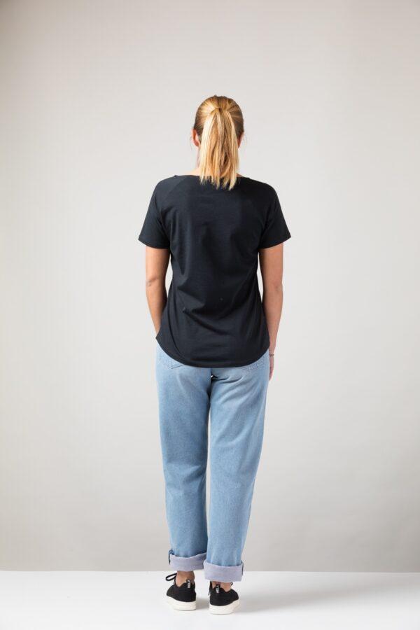 Women basic T-Shirt black