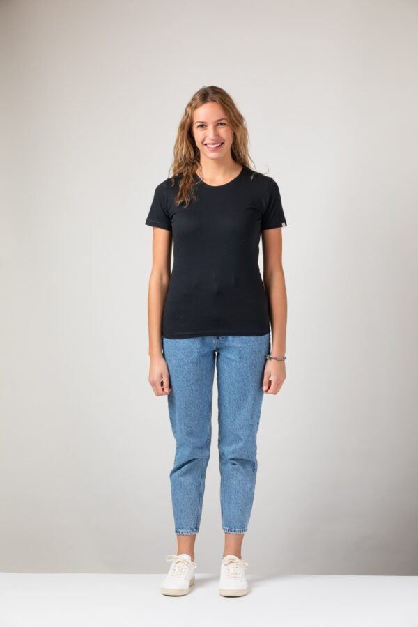 Women Slim T-Shirt black