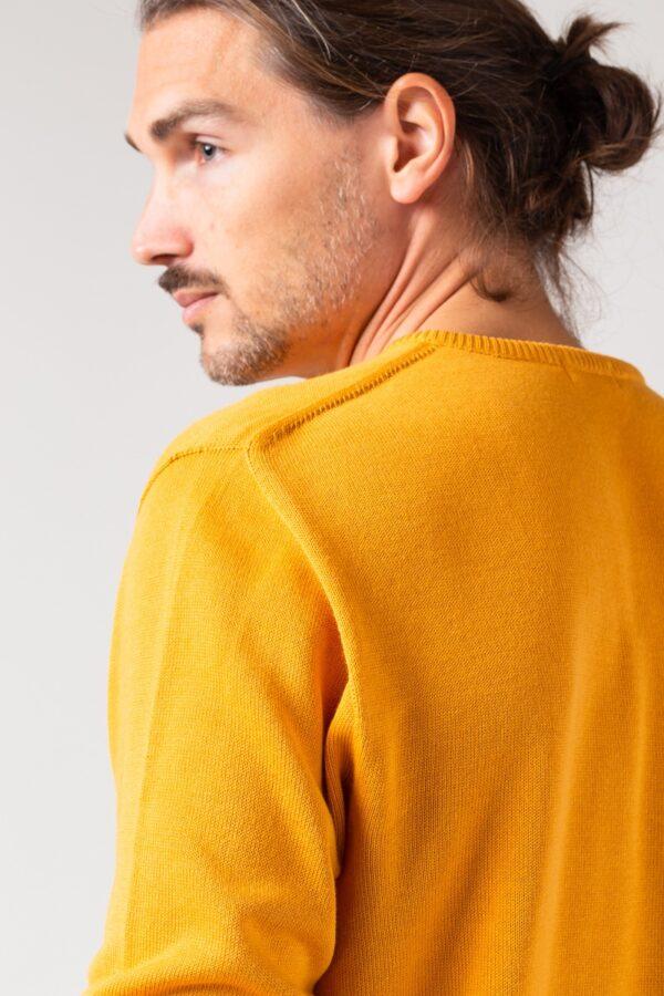 Men basic Sweater amber